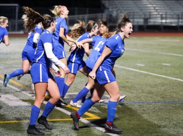 Girls Varsity Soccer Advances to NCS Finals