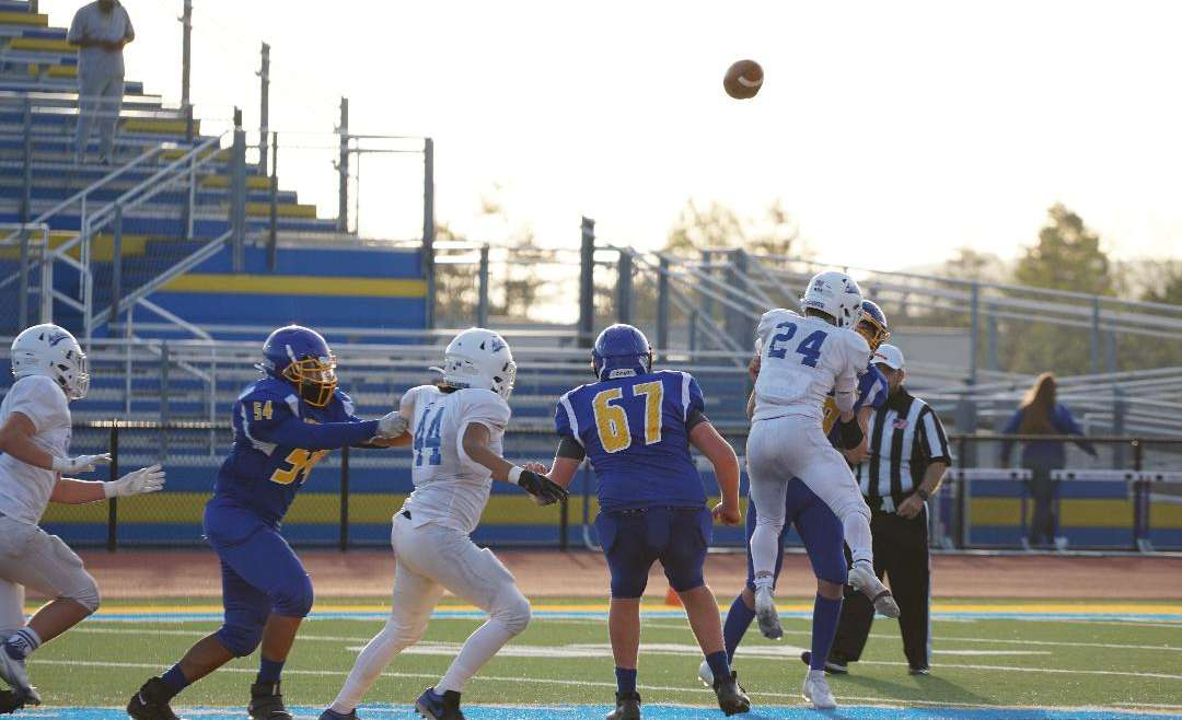 JV Sleepy Start Leads to Acalanes Win, Dons 30-Panthers 6
