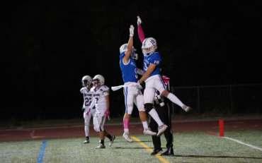 Football: Homecoming High Five
