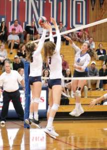 Dons Varsity Volleyball Drops Match to Cougars on the Road
