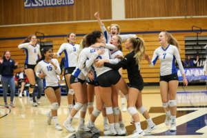 Dons Volleyball Clips the Hawks, Advances to NCS Final